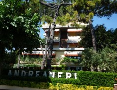 Marina di Pietrasanta - Hotel ANDREANERI ***