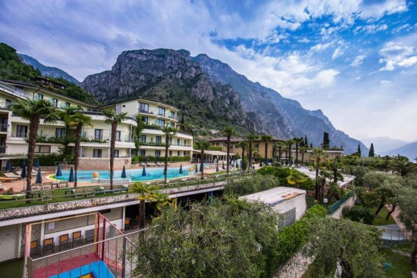 ROYAL_VILLAGE_LIMONE_03.JPG